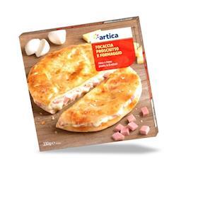 Focaccia farcita con prosciutto cotto e formaggio