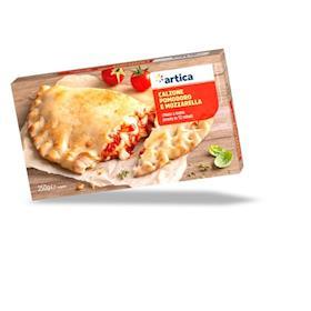 Calzone pomodoro e mozzarella